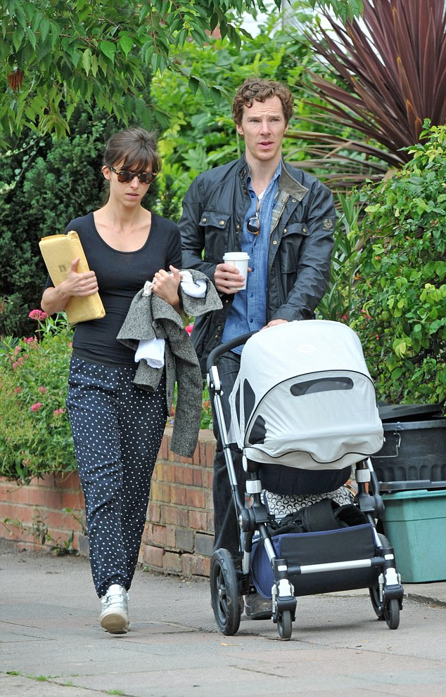 2C8C129800000578-3242577-The three of us Actor Benedict Cumberbatch 39 and his wife Sophi-a-6 1442794318041 034d8