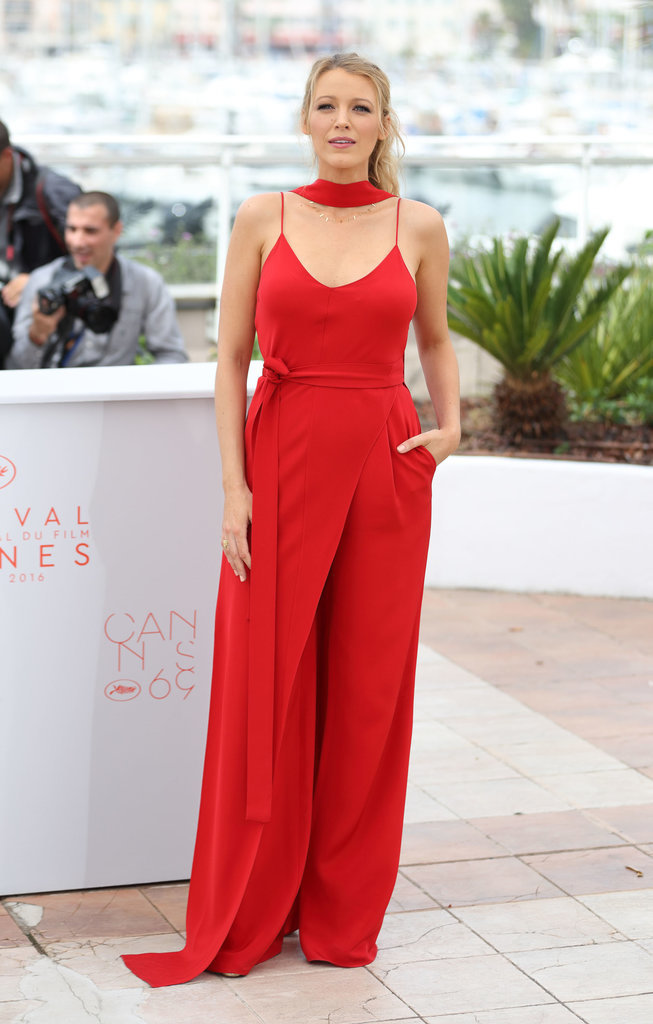 her first photocall Blake Lively selected bright red Juan 2617e
