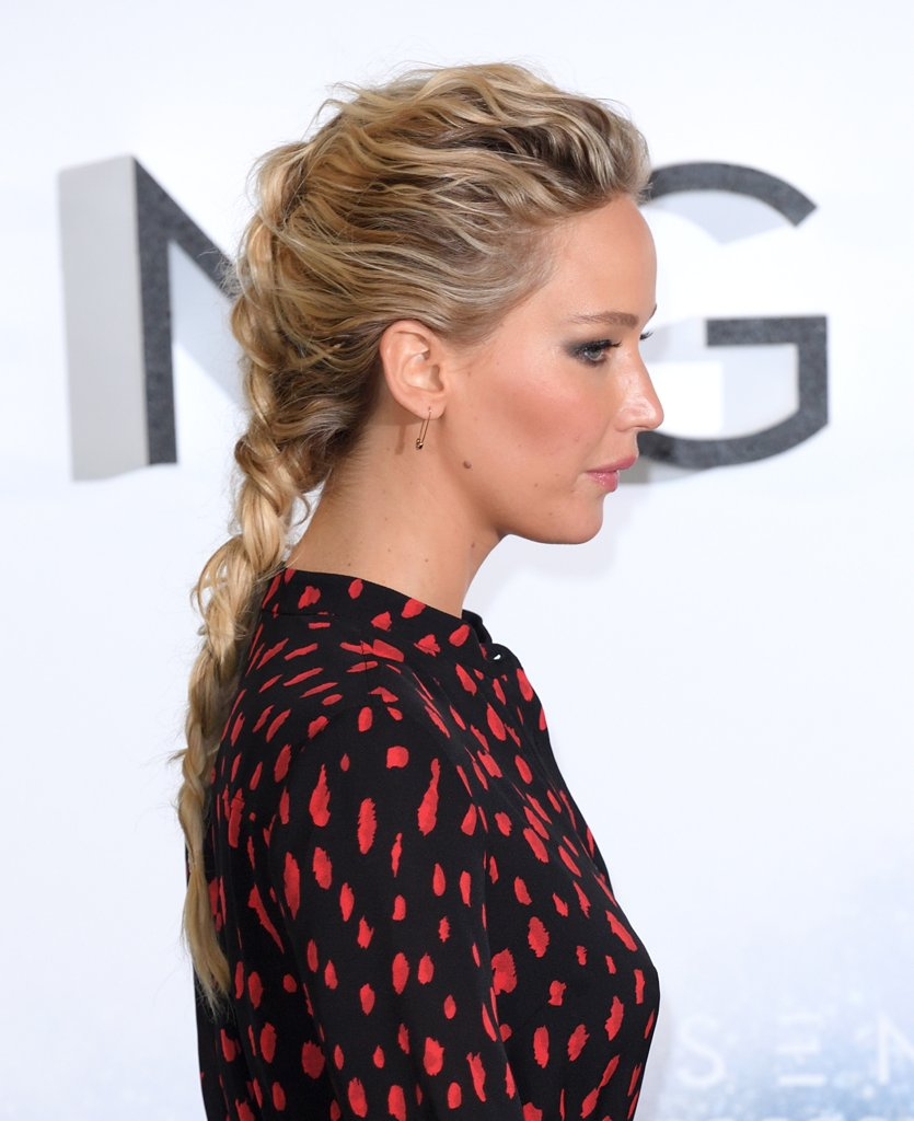 Jennifer Lawrence Braid Passengers Premiere 4