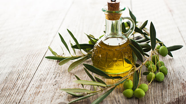 OLIVE oil for hair 650x365