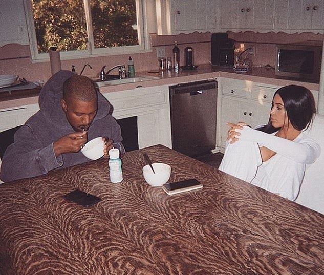 10320982 0 Kim Kardashian and Kanye West eat breakfast together as they spe m 21 1551205736391